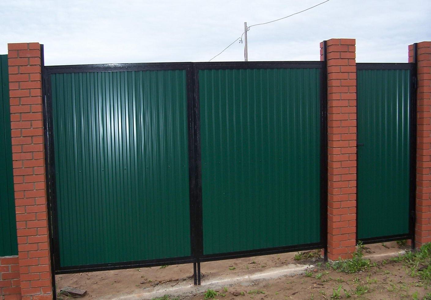 ворота фото из профнастила